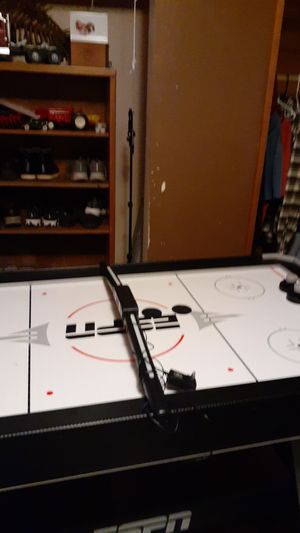 Air hockey table for Sale in Sedro-Woolley, WA