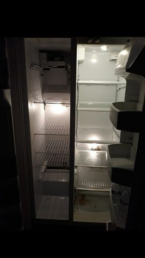 GE Refrigerator for Sale in Oakland Park, FL
