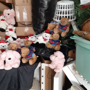 Valentine's Day Stuffed Animals Quantity 33 for Sale in San Diego, CA