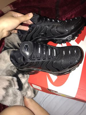 Nike Air Max Plus 4.5 Boys for Sale in Lorain, OH