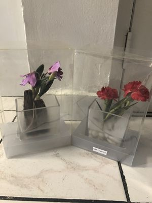 New artificial flower decor for Sale in Hialeah, FL