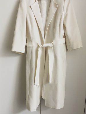 White Albert Nipon Coat for Sale in Addison, TX