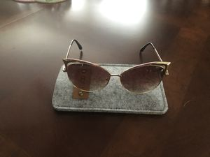 New Sunglasses for Sale in Oak Lawn, IL
