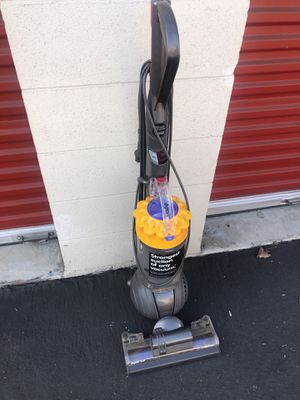 Dyson ball vacuum the strongest suction of any vacuum retail $400 for Sale in Chino, CA