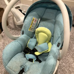 Maxi Cosi Car Seat And Base for Sale in Irving, TX