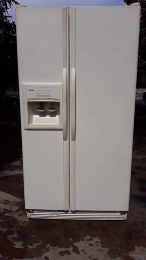 Kenmore 25 Cu. Ft. Refrigerator for Sale in El Monte, CA