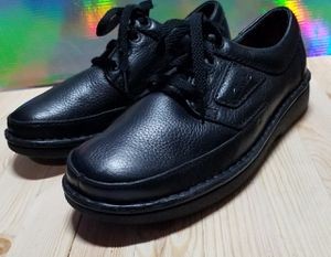 Clarks nwot Superfeet mens sz 10 for Sale in Prineville, OR