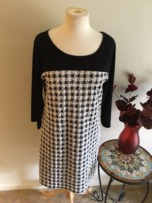 Black and white dress long sleeves size 1x for Sale in Coraopolis, PA