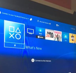 PS4 & 1 controller for Sale in Washington, DC