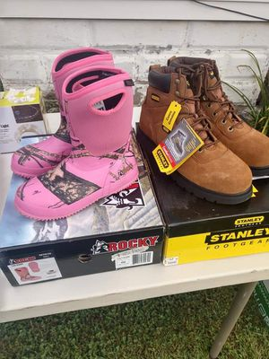 Girls Pink Rockie boots sz4 for Sale in Zanesville, OH