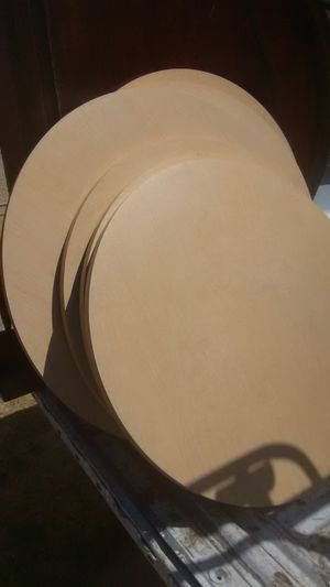Round wooden table tops restaurant style table tops wooden round different sizes $7 each for Sale in Visalia, CA
