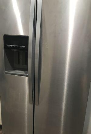 Side door refrigerator for Sale in East Saint Louis, IL