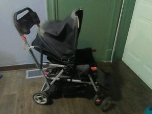 Great conditoion groovy double stroller for Sale in St. Louis, MO