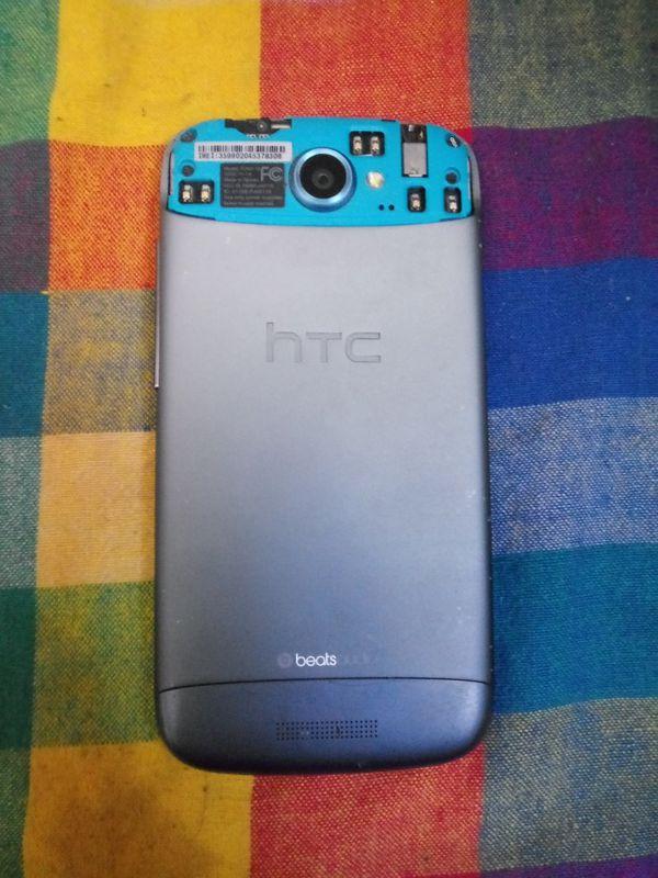 HTC One S - Smartphone