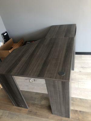 U Shaped Desk High Quality for Sale in Tujunga, CA
