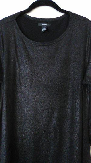 New Alfani Large sharkskin tunic top for Sale in Las Vegas, NV