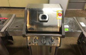 Brand New Napoleon Propane Grill FIU for Sale in Lakewood, CA