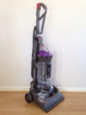 Vacuum Cleaner Dyson for Sale in Tacoma, WA