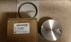 Cadillac Escalade 6.2L (7) Piston heads and rings Brand New OEM, factory Gm made for Sale in Houston, TX