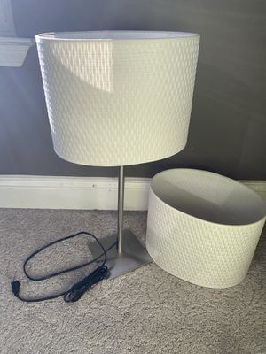 WHITE LAMP WITH AN EXTRA SHADE for Sale in Troy, MI