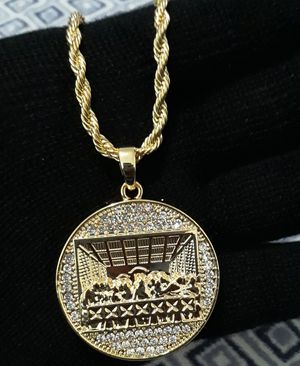 Necklace last supper for Sale in Los Angeles, CA