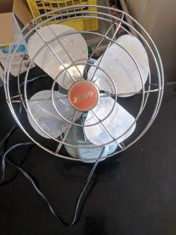 Antique zero desk fan for Sale in Plant City,  FL