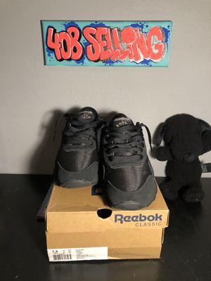 Selling Reebok CLASSIC NYLON black/black/carbon Size 7.5 condition 7.5/10 used $35 for Sale in San Jose, CA