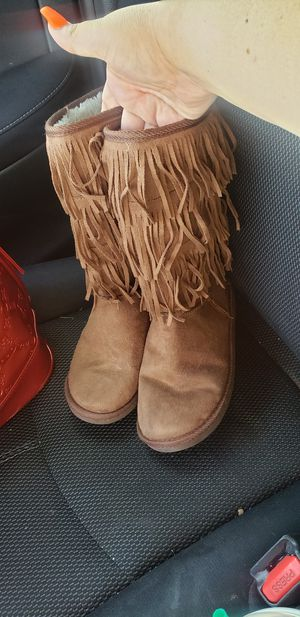 Girls youth size 5 boots for Sale in Grand Prairie, TX