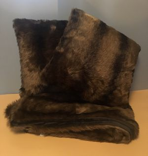Faux Fur Throw and Pillow Set for Sale in Snoqualmie, WA