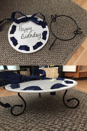 """Southern Living 12"""" DRESS ME UP PLATE and CAKE PLATE AND STAND only for sale. Uses dry erase markers. Change out ribbon for your theme for Sale in Ladera Ranch, CA"""