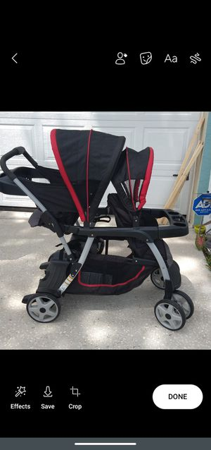 Graco double stroller for Sale in Kissimmee, FL