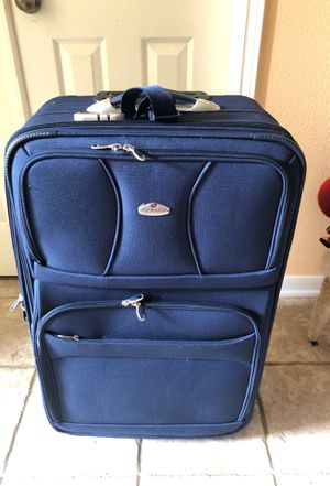 LUGGAGE (BLUE) for Sale in Houston, TX