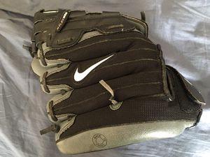Boys Nike Baseball Glove for Sale in Tacoma, WA
