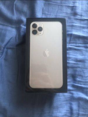 iphone 11 pro maxx 64gb for Sale in Chicago, IL