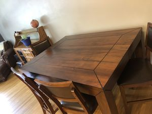 Dining room table for Sale in Philadelphia, PA