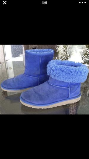 CLASSIC GIRLS UGGS BLUE SIZE 4 for Sale in Babson Park, FL