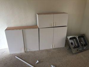 White kitchen cabinets good condition for Sale in North Miami Beach, FL