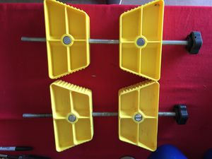"Rv large wheel stabilizers 26"" to 30"" for Sale in Gervais, OR"