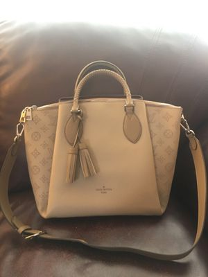 Louis Vuitton Leather Shoulder Tote Bag Purse Handbag for Sale in Wheaton, IL