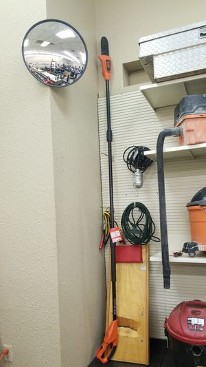 Black and decker pole saw w/ battery & charger for Sale in Amarillo, TX