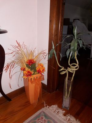 floral arrangement and bamboo for Sale in Walton Hills, OH