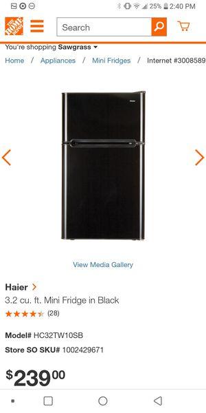 Haier Mini Fridge 3.2 with 2 doors for Sale in Fort Lauderdale, FL
