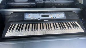 Yamaha keyboard for Sale in Miami, FL