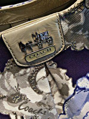 COACH PURSE -MADISON FLORAL MAGGIE SHOULDER BAG for Sale in Lakeland, FL