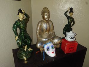 Asian room decor.. BEAUTIFUL....ALL 5 PIECES ONE PRICE...$40 for Sale in Stockton, CA