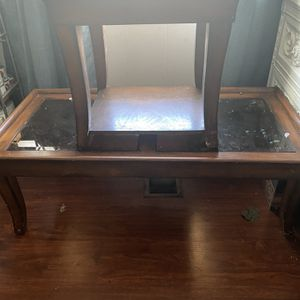 Coffee Table & 1 End Table for Sale in Visalia, CA