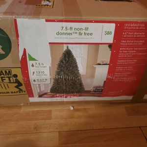7.5 Foot X-mas Tree for Sale in Tempe, AZ