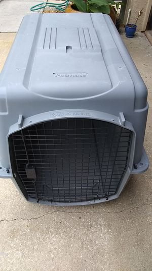 Petmate, classic kennel Dog ,cage . for Sale in Union Park, FL