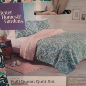 Better Homes And Garden Quilt Set for Sale in Chesapeake, VA