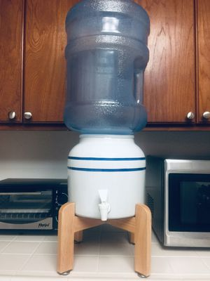 Ceramic water dispenser set with 5 gallon water bottle (2) @ $45 for Sale in Garden Grove, CA